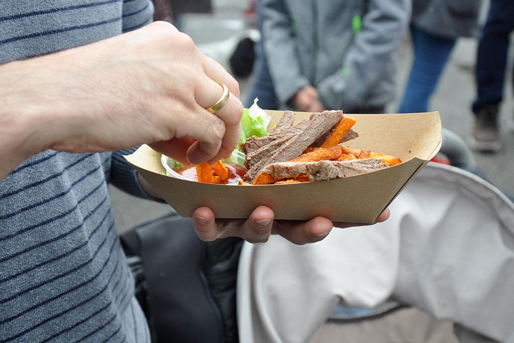 Food Trucks: Essen wie die Höhlenmenschen - in Handarbeit schmeckt's am besten